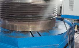 圆锥破碎机保护筒体与增强筒体刚度